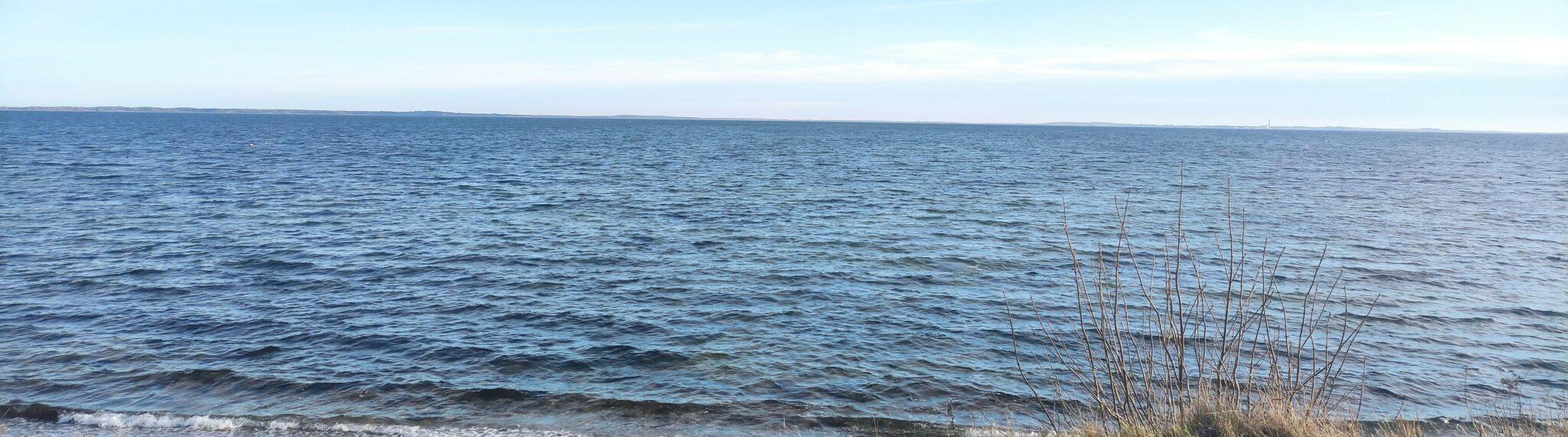 Tangbrug set fra kysten